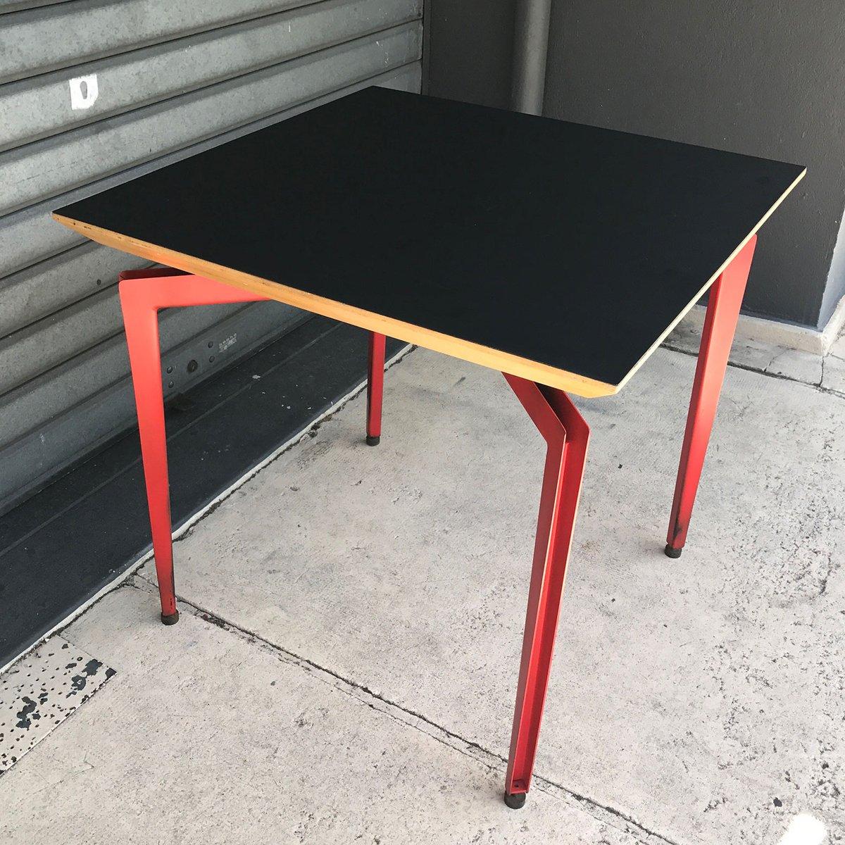 Tisch in schwarz rot 1980er bei pamono kaufen for Tisch schwarz