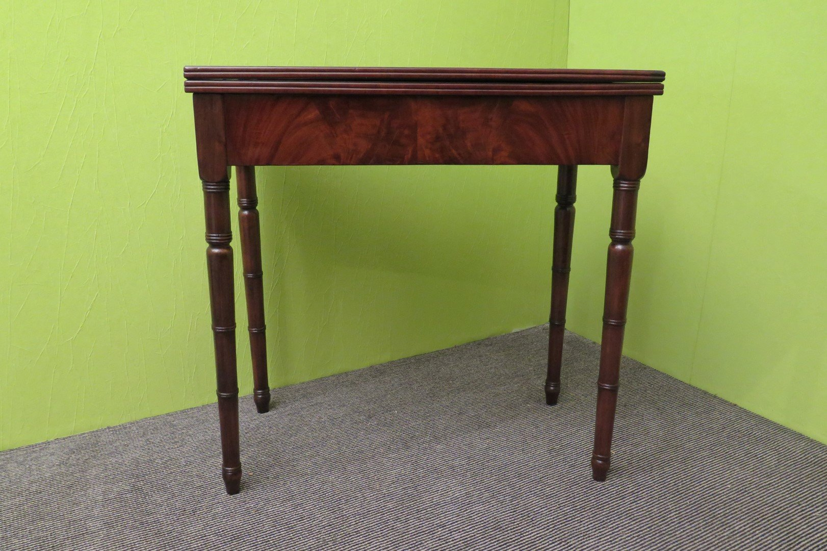 Antique italian card playing table 1850s for sale at pamono for Table 52 cards
