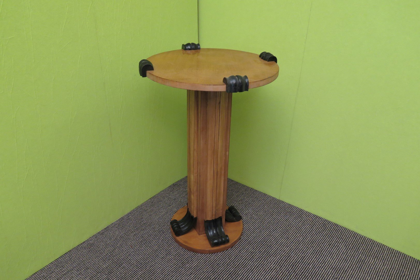 Column table in maple 1940s for sale at pamono for Table column