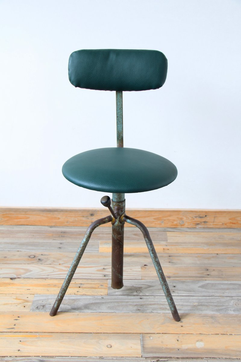Vintage leather swivel chair - Vintage Industrial Swivel Chair With Green Skai Leather