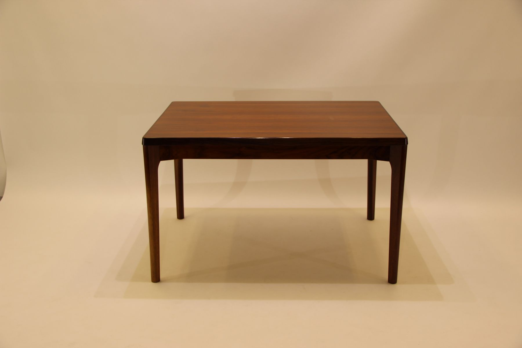 dining table material. mid-century rosewood dining table by henning kjærnulf for vejle moebelfabrik material
