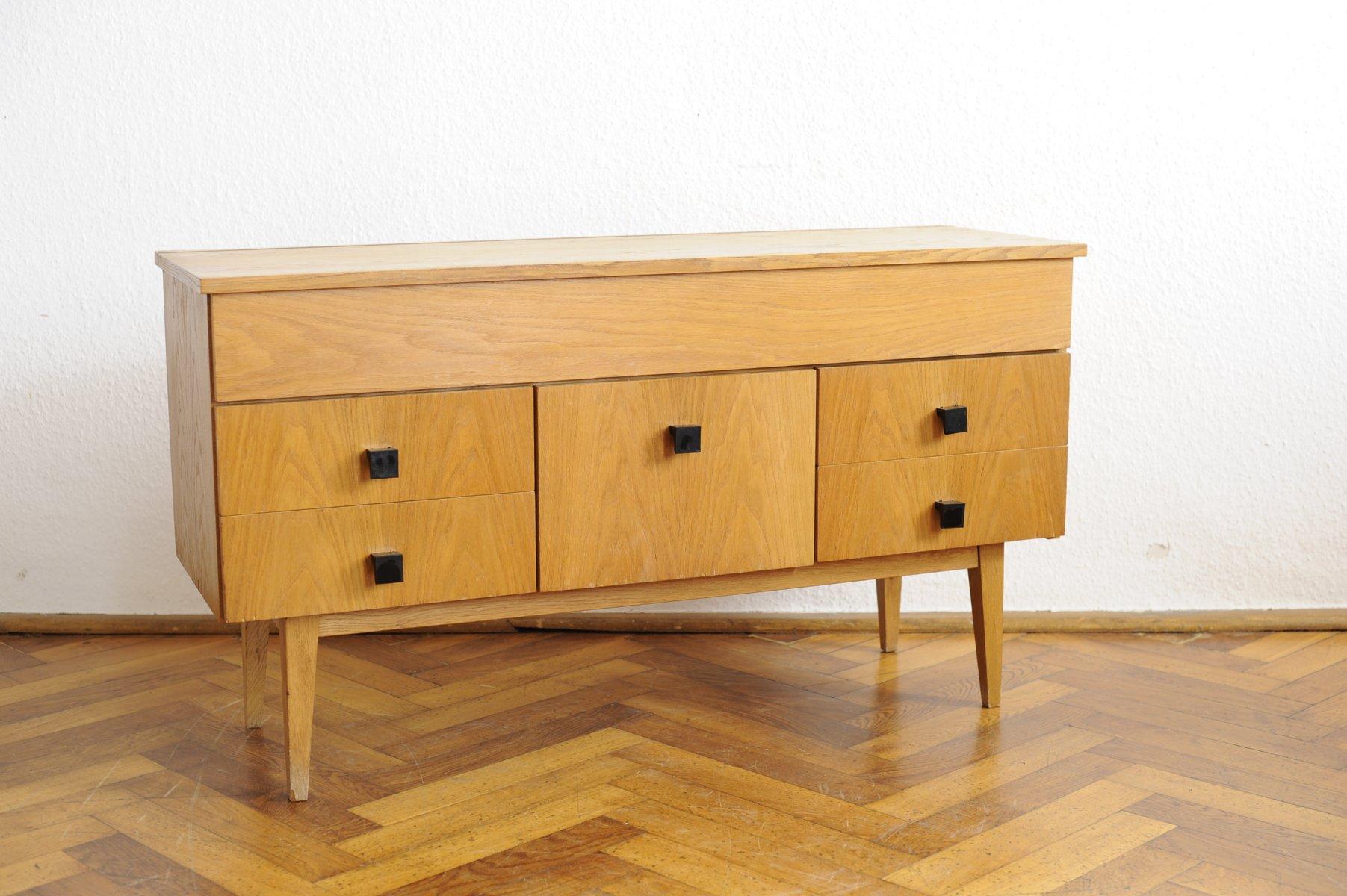 modernistisches vintage sideboard mit buchenholz furnier. Black Bedroom Furniture Sets. Home Design Ideas