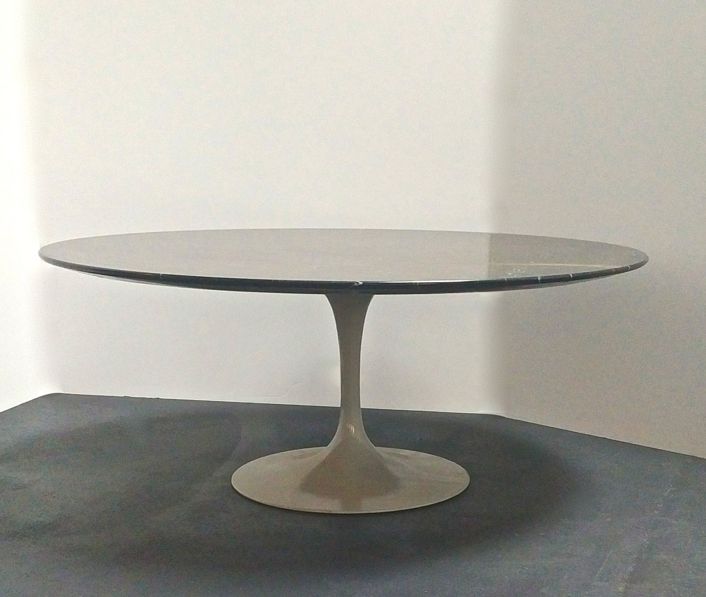 Table basse tulipe par eero saarinen 1960s en vente sur pamono Table basse saarinen
