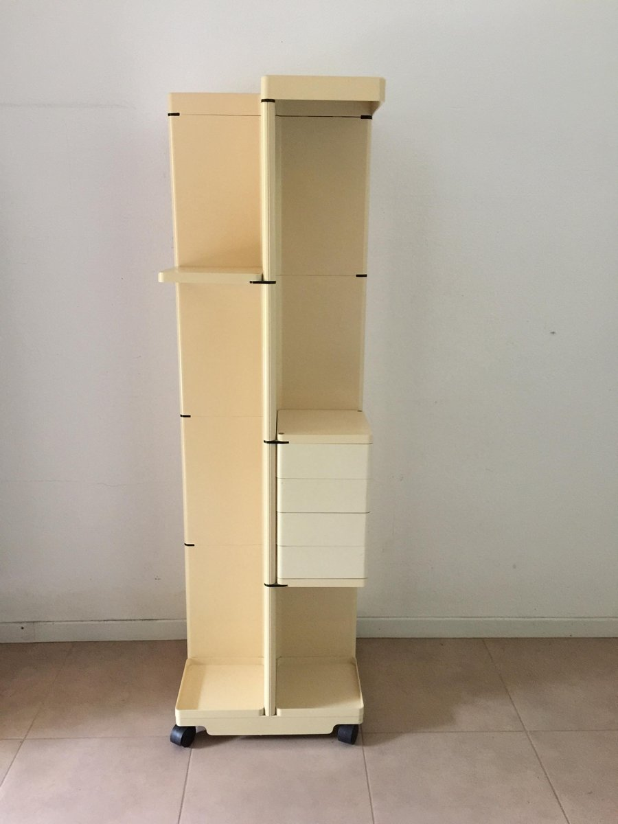 beige garderobe mit rollen von fabio lenci f r iguzzini 1974 bei pamono kaufen. Black Bedroom Furniture Sets. Home Design Ideas