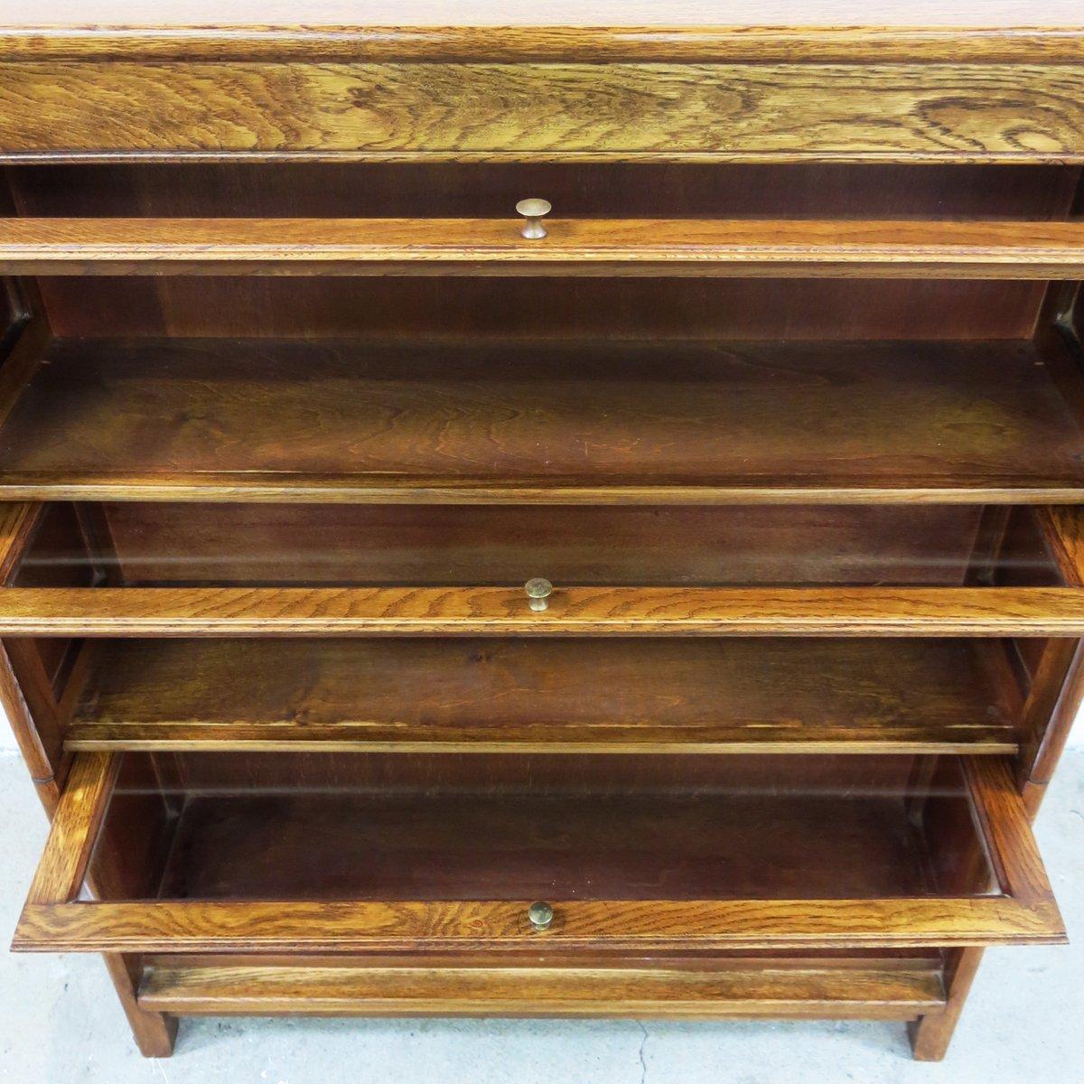englisches vintage b cherregal 1930er bei pamono kauf. Black Bedroom Furniture Sets. Home Design Ideas