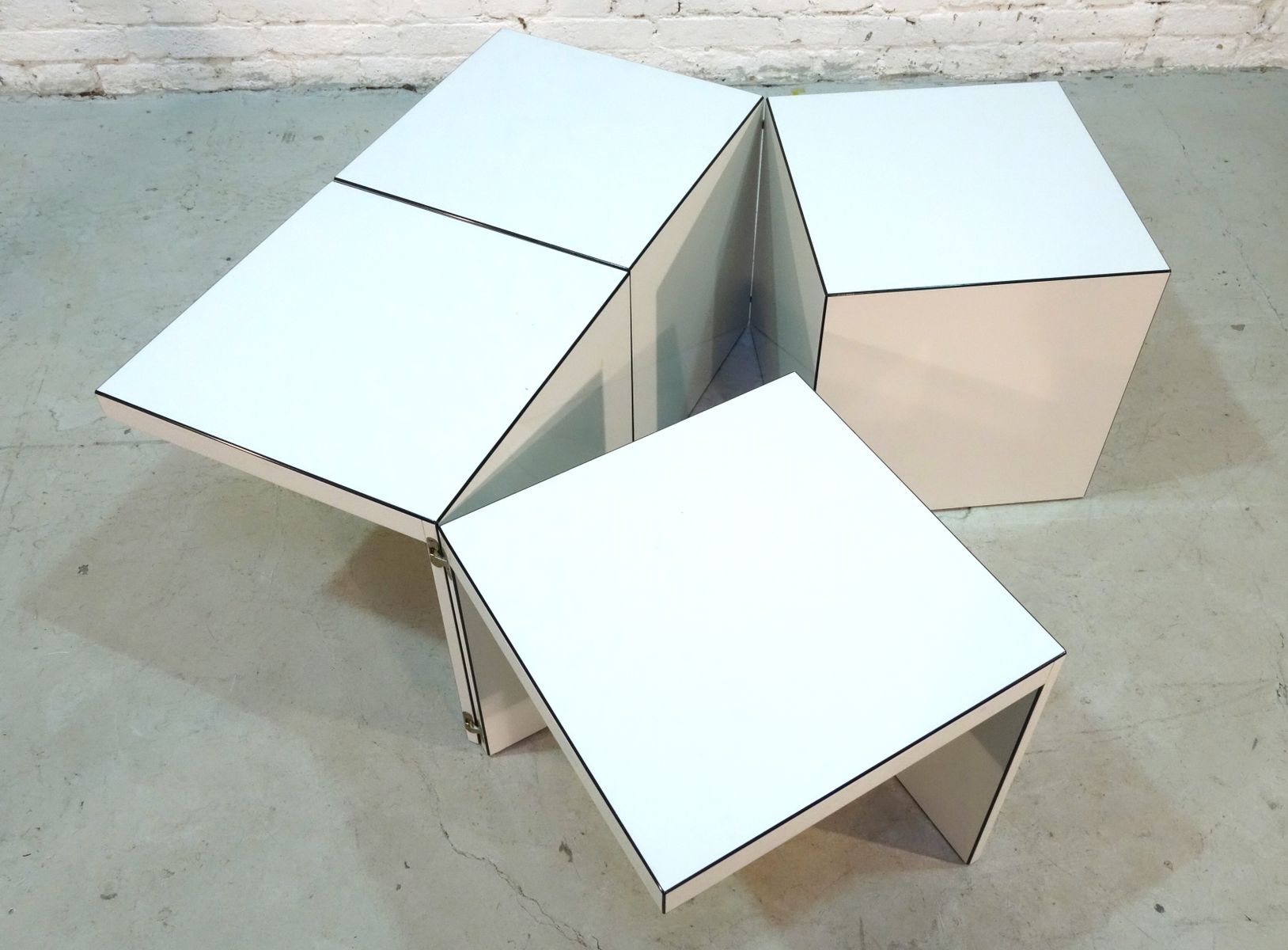 Domino modular side table by jan wichers and alexander for Einrichtung