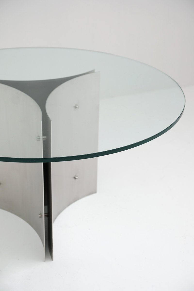 round pedestal dining table in steel and glass 1970s for