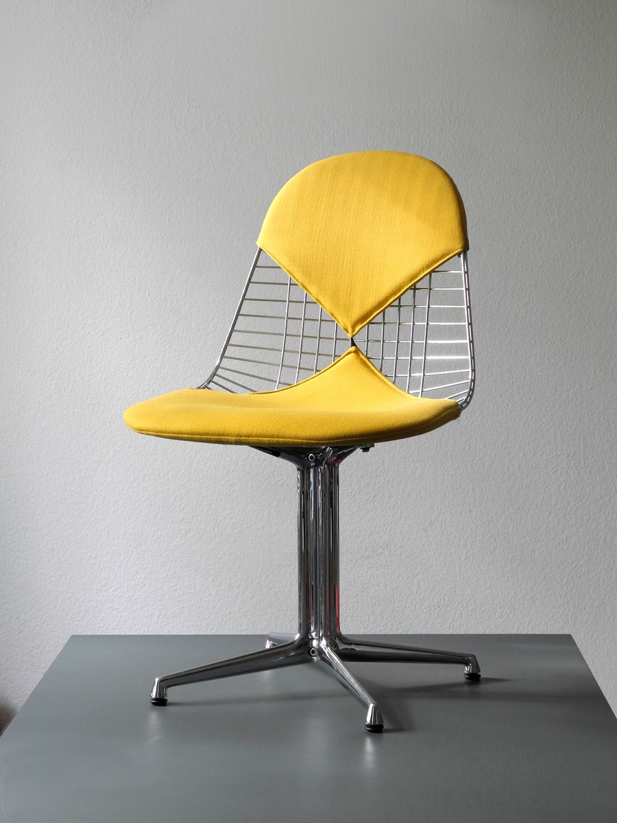 Vintage dkr 2 wire chair with la fonda base in chrome by for Eames chair nachbau deutschland