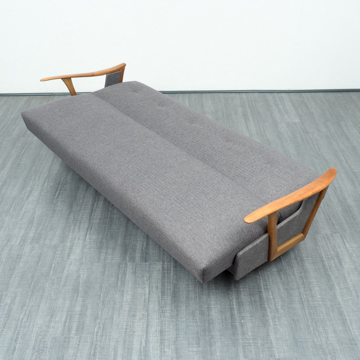 streamlined sofa bed 1950s for sale at pamono. Black Bedroom Furniture Sets. Home Design Ideas