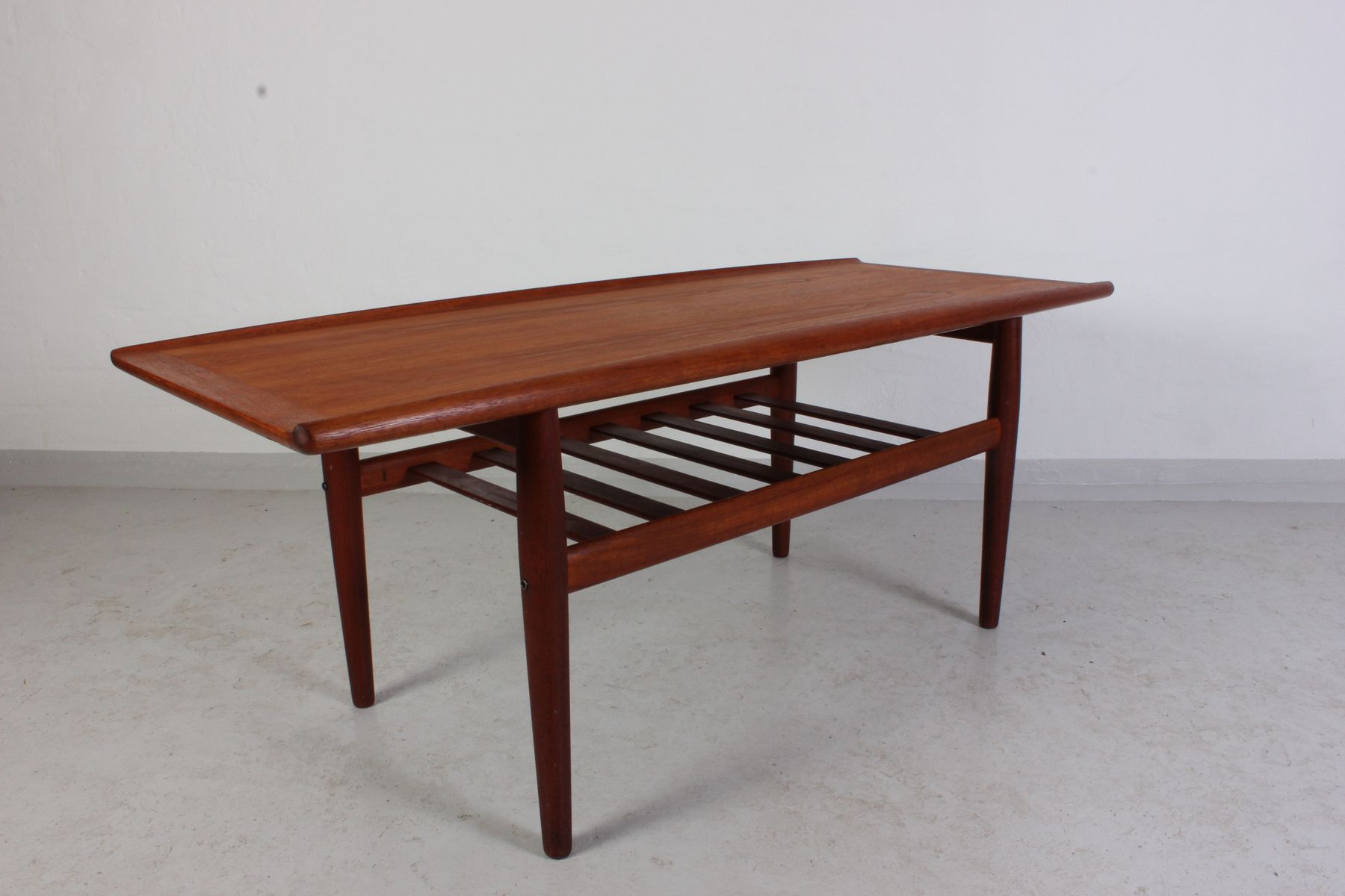 mid century teak coffee table by grete jalk for glostrup for sale at pamono. Black Bedroom Furniture Sets. Home Design Ideas