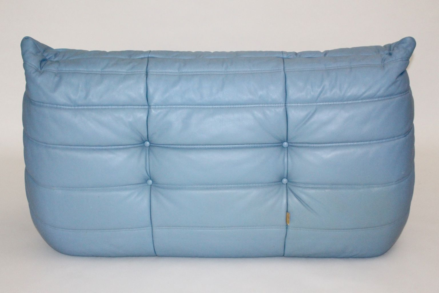 blaues vintage leder love seat togo von michel ducaroy f r ligne roset bei pamono kaufen. Black Bedroom Furniture Sets. Home Design Ideas