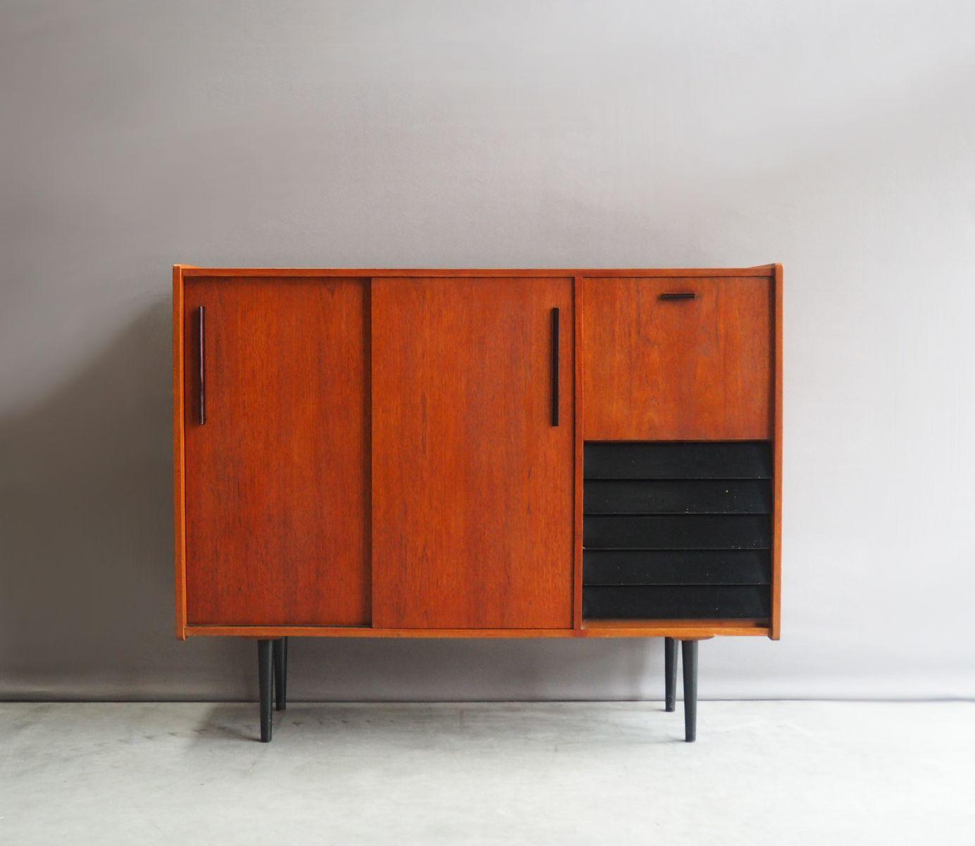 niederl ndisches highboard mit schiebet ren von b sprij 1960er bei pamono kaufen. Black Bedroom Furniture Sets. Home Design Ideas