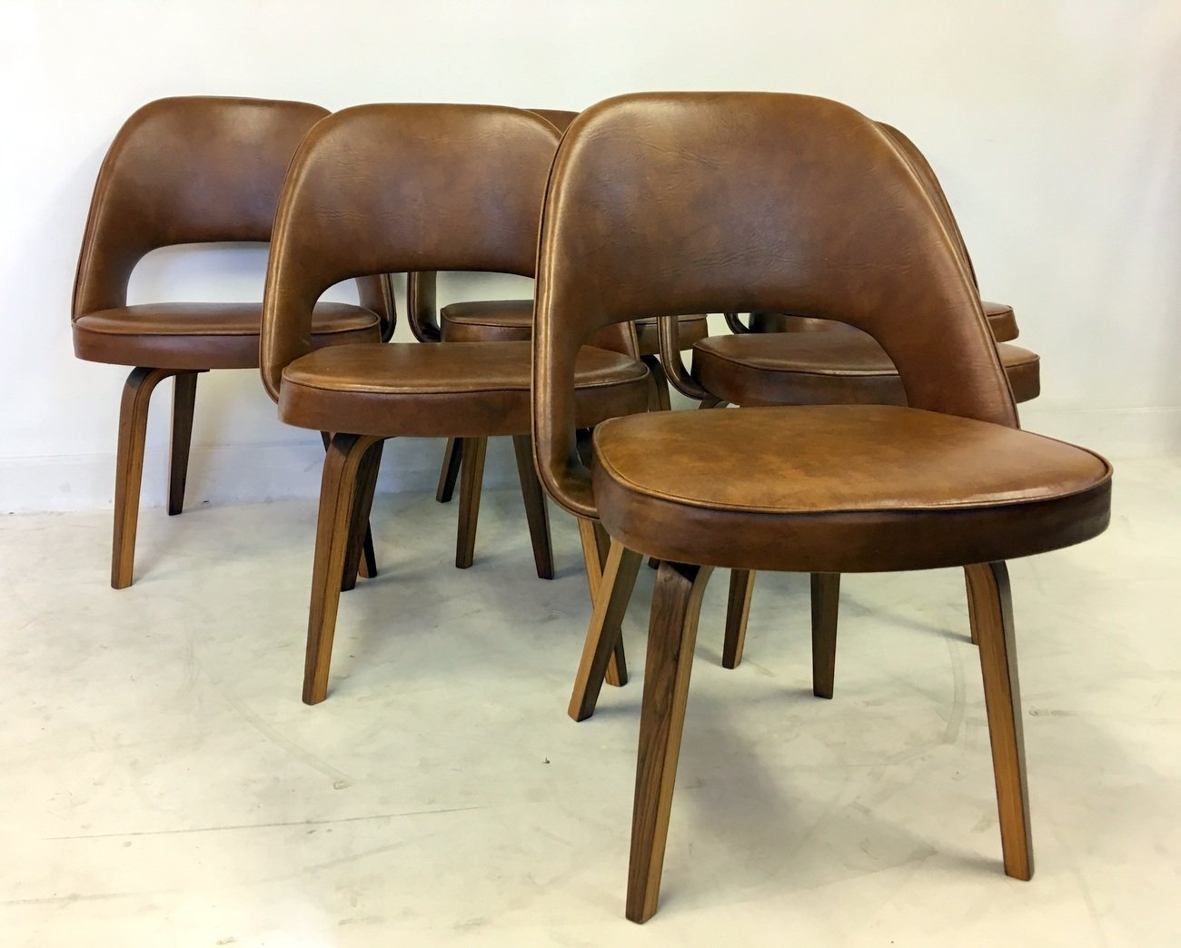 vintage executive chairs by eero saarinen for knoll set of 6