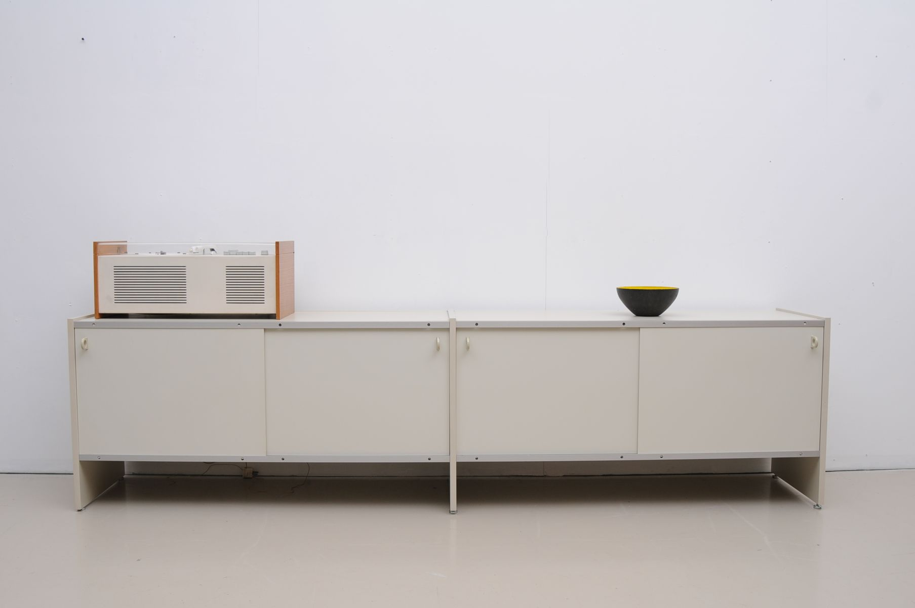 rz 57 sideboard von dieter rams f r otto zapf 1957 bei. Black Bedroom Furniture Sets. Home Design Ideas