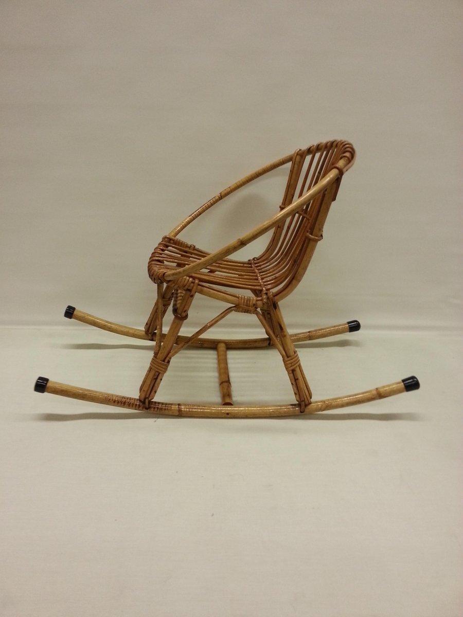 kinder rattan schaukelstuhl 1960er bei pamono kaufen. Black Bedroom Furniture Sets. Home Design Ideas