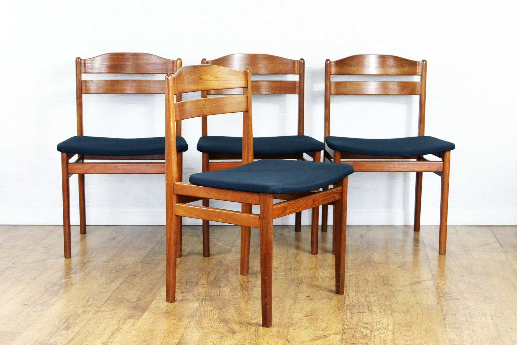 skandinavische mid century st hle 4er set bei pamono kaufen. Black Bedroom Furniture Sets. Home Design Ideas