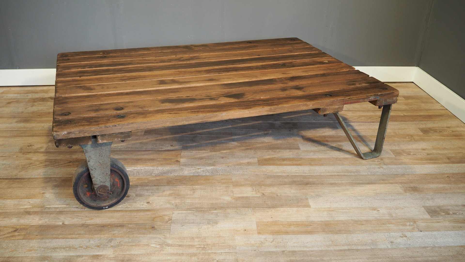 Industrial Pallet Coffee Table 1930s for sale at Pamono