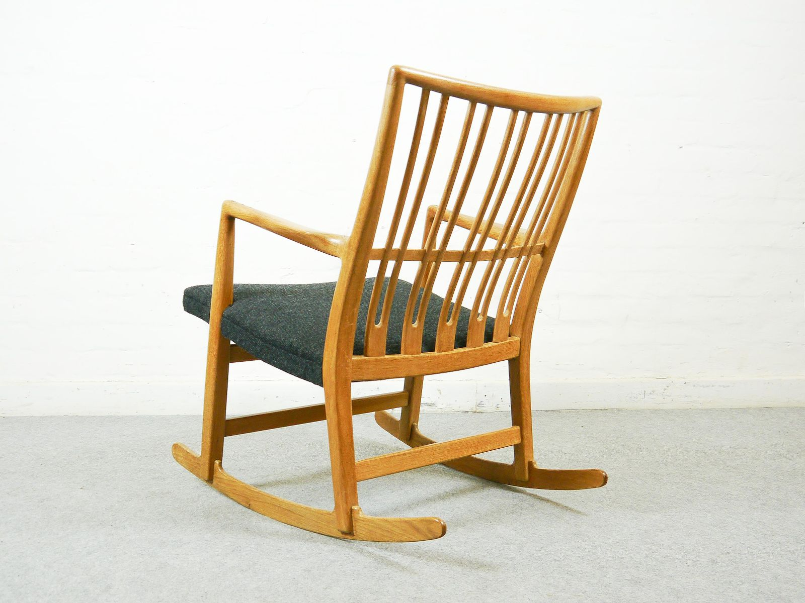 ML 33 Rocking Chair with Floral Carving by Hans J Wegner for