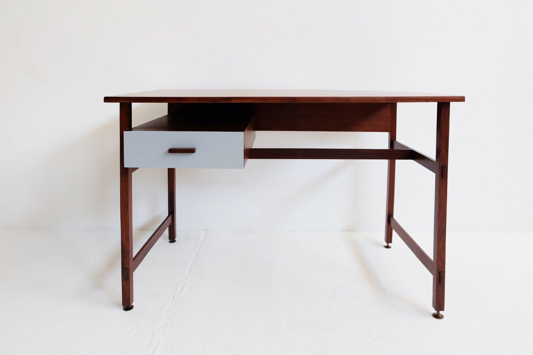 kleiner vintage schreibtisch bei pamono kaufen. Black Bedroom Furniture Sets. Home Design Ideas