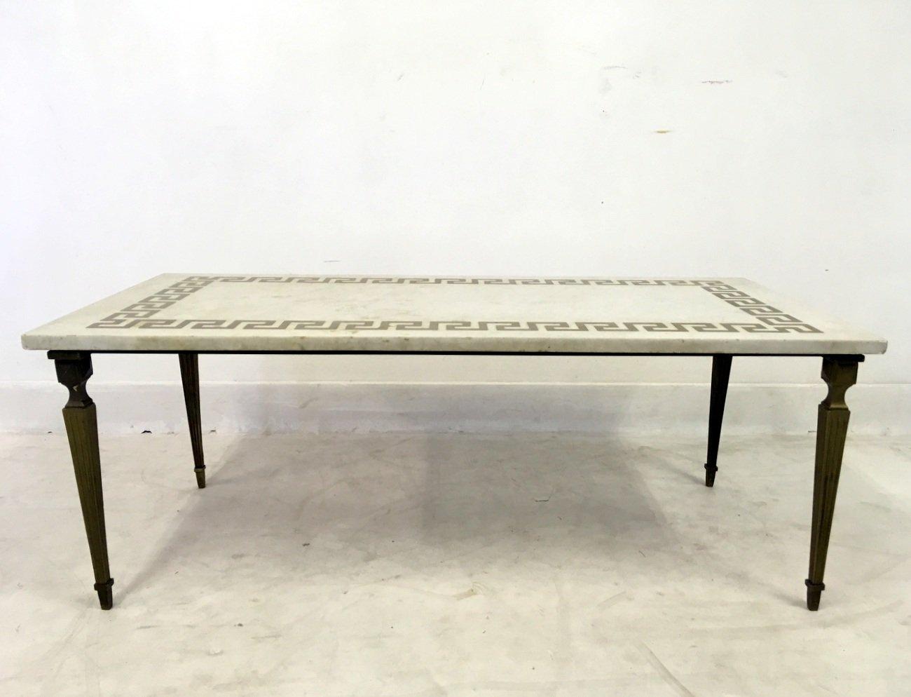 couchtisch aus wei em marmor messing 1950er bei pamono. Black Bedroom Furniture Sets. Home Design Ideas