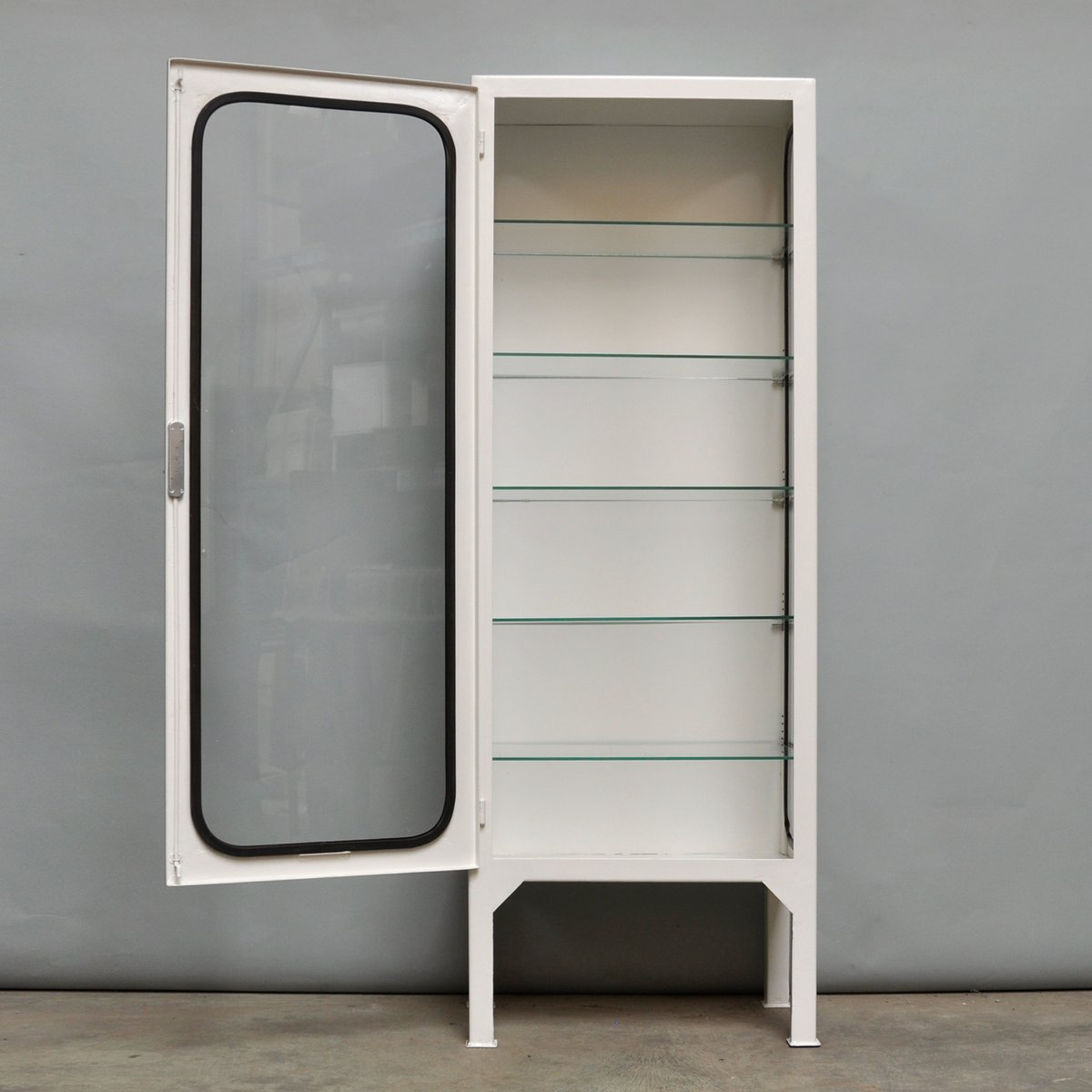armoire pharmacie vintage en verre et fer 1975 en vente. Black Bedroom Furniture Sets. Home Design Ideas