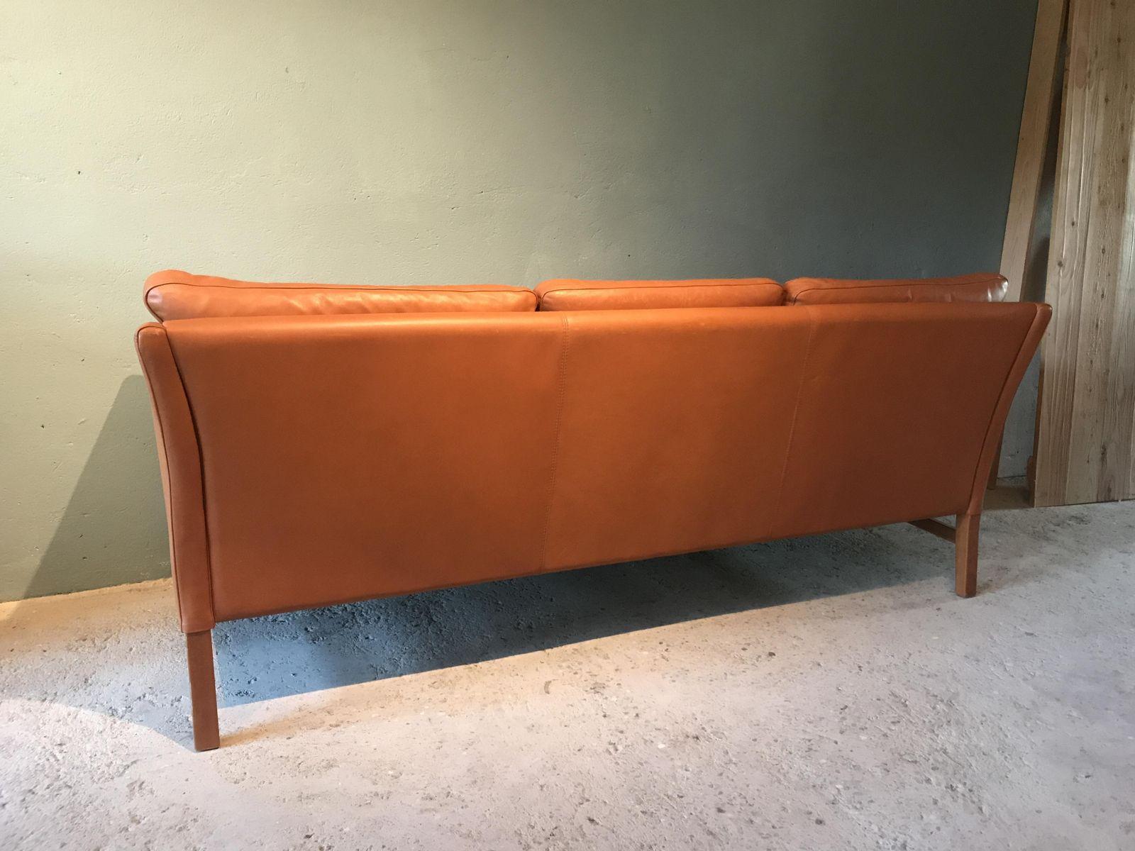 vintage danish cognac leather sofa for sale at pamono. Black Bedroom Furniture Sets. Home Design Ideas