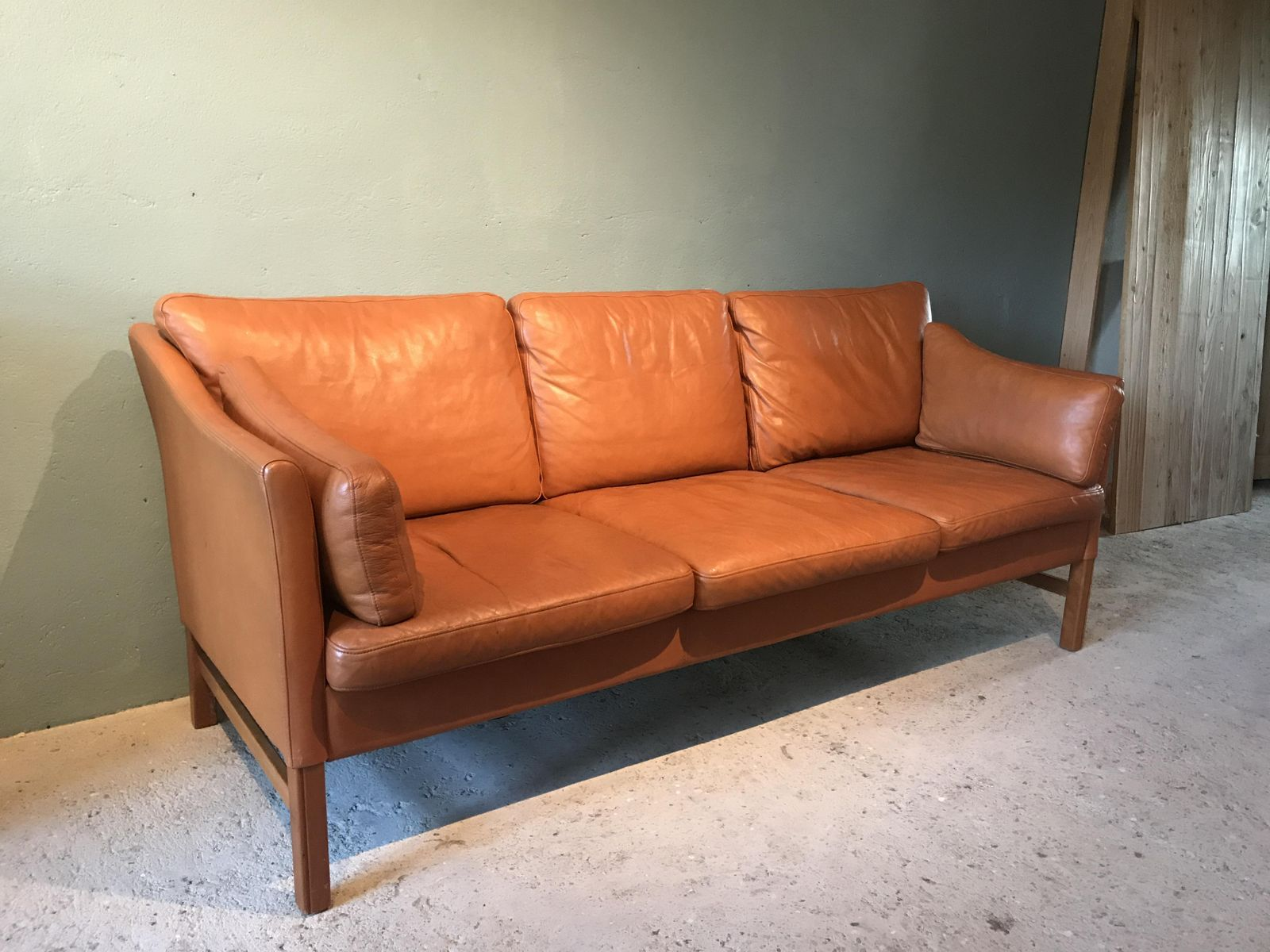 vintage danish cognac leather sofa for sale at pamono. Black Bedroom Furniture Sets. Home Design Ideas