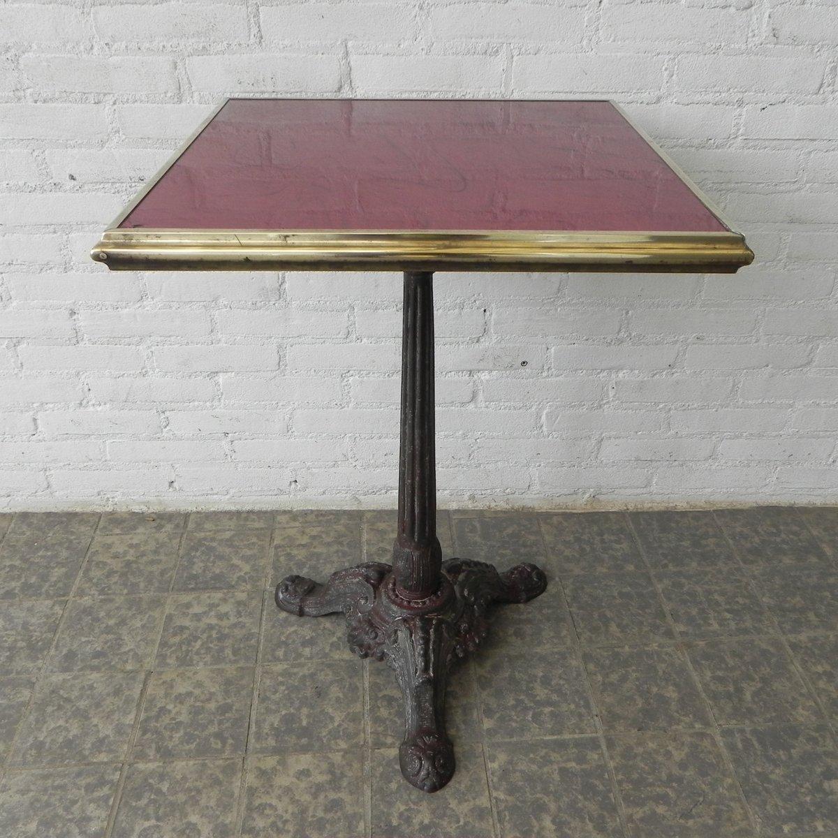 franz sischer bistro tisch mit marmorplatte und gusseisenfu 1930er bei pamono kaufen. Black Bedroom Furniture Sets. Home Design Ideas
