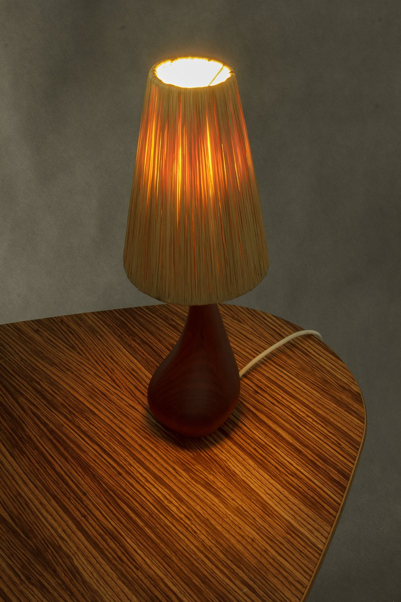 kleine d nische vintage teak lampe mit strohleuchte bei pamono kaufen. Black Bedroom Furniture Sets. Home Design Ideas