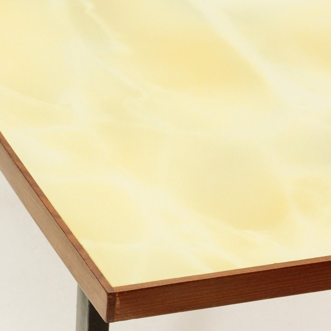 Italienischer esstisch mit gelber tischplatte aus glas for Esstisch yellow