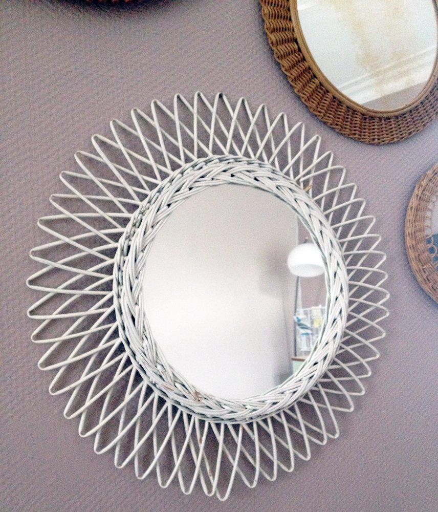 Miroir en rotin en forme de soleil blanc 1960s en vente for Miroir forme soleil