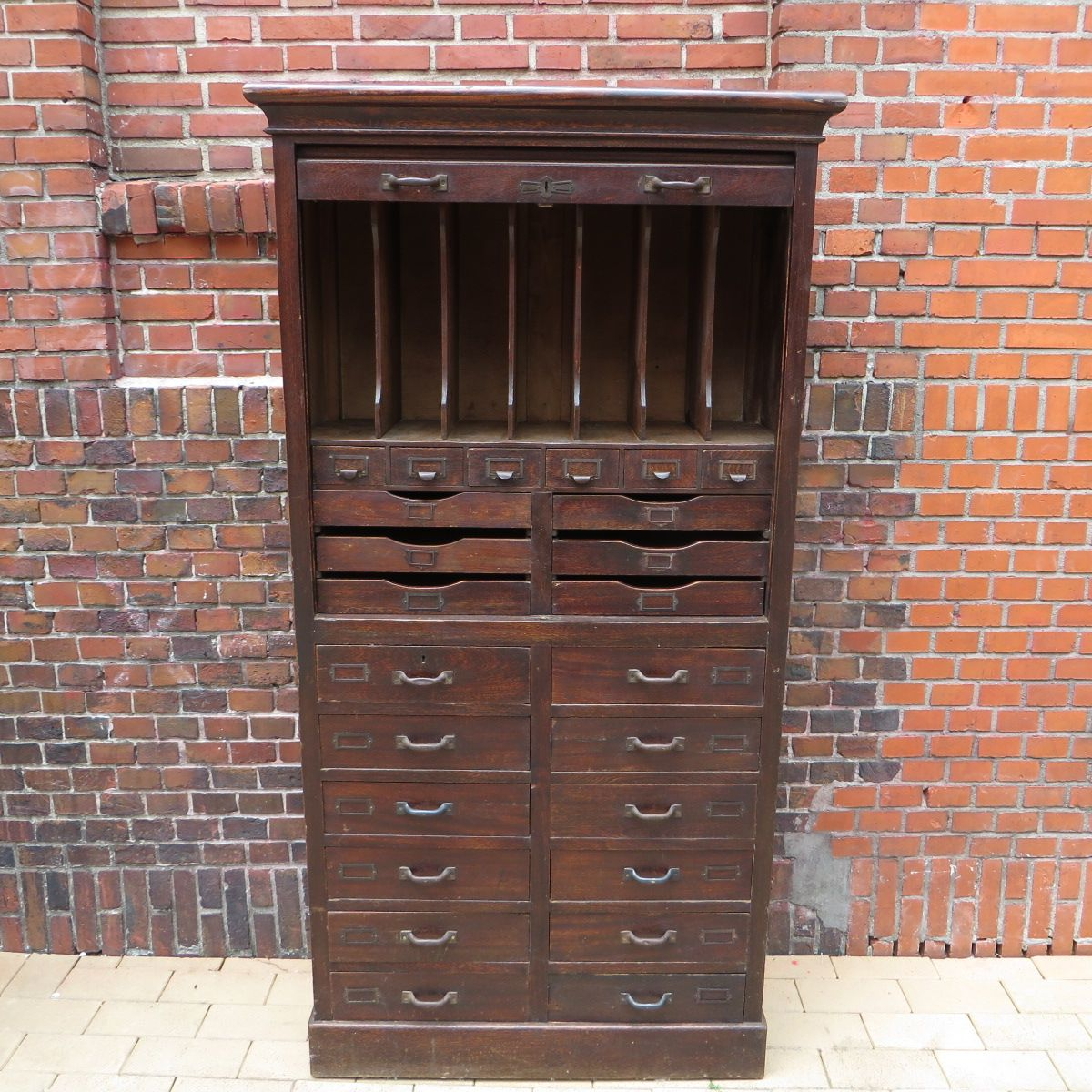 armoire de classement vintage france en vente sur pamono. Black Bedroom Furniture Sets. Home Design Ideas