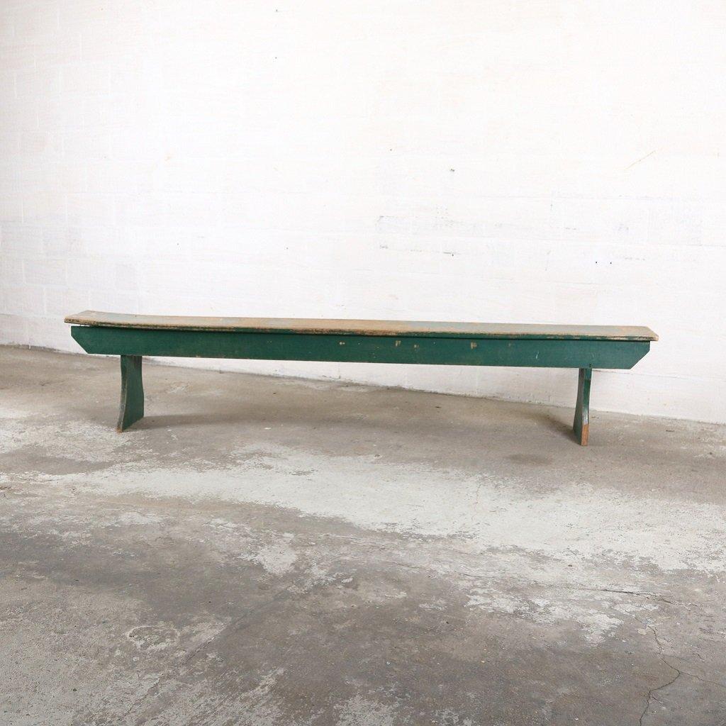 Banc vintage industriel en bois vert en vente sur pamono for Prix banc en bois