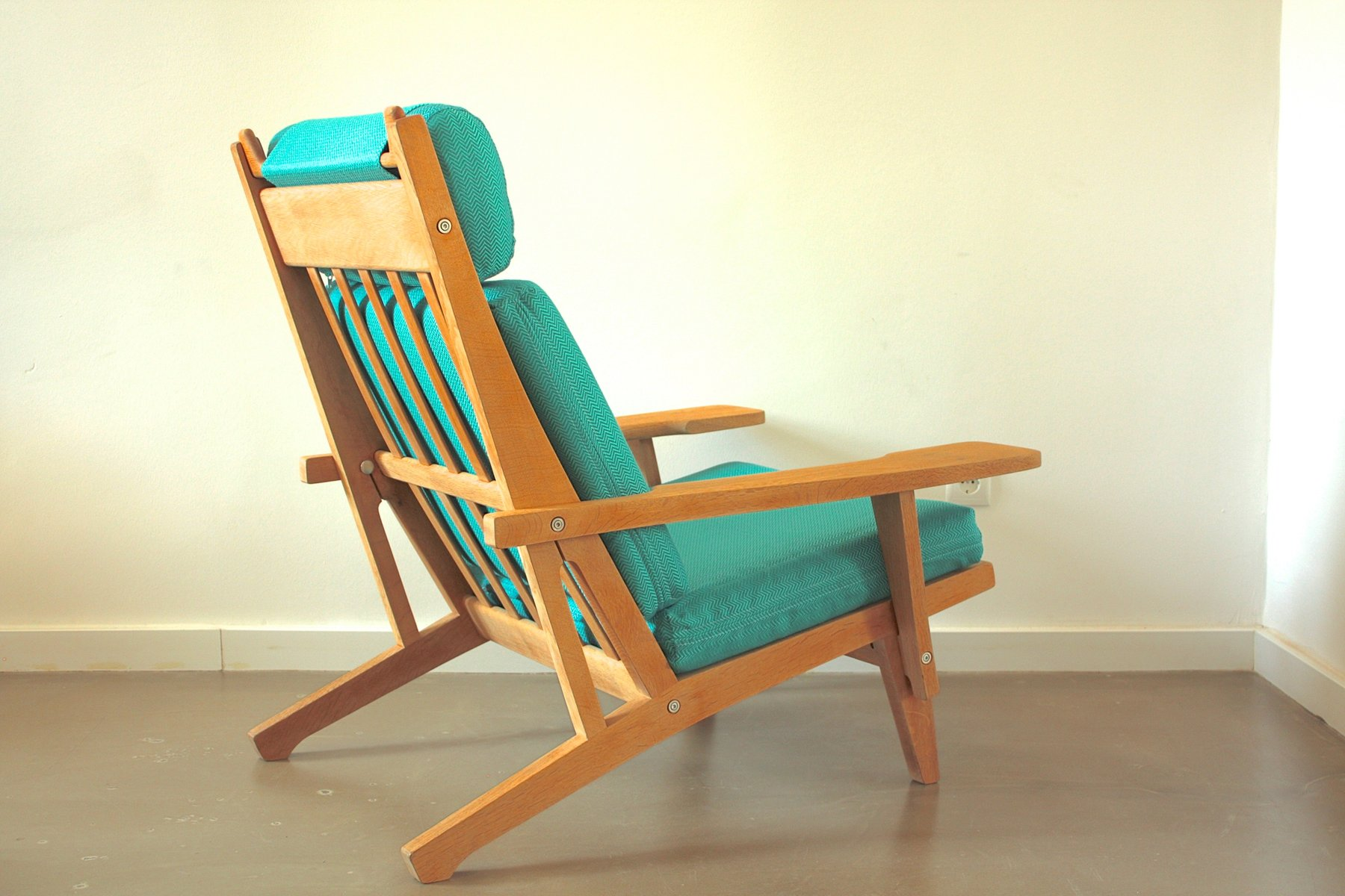 Vintage GE 375 Easy Chair by Hans J Wegner for Getama for sale at