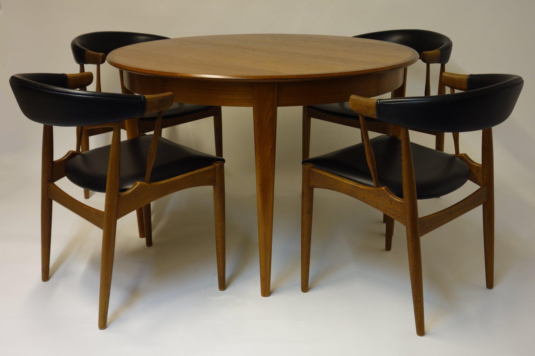 Table de salle manger avec deux rallonges et quatre chaises de brdr anders - Table de salle a manger avec rallonge et chaises ...