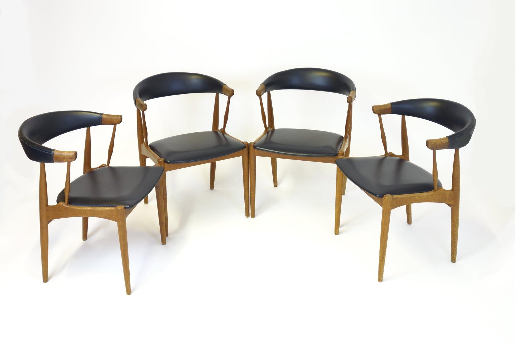 Table de salle manger avec deux rallonges et quatre for Table de salle a manger avec rallonge et chaises