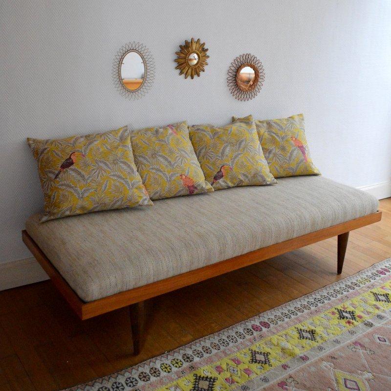 Schlafsofa mit 4 kissen 1960er bei pamono kaufen for Schlafsofa mit guter matratze