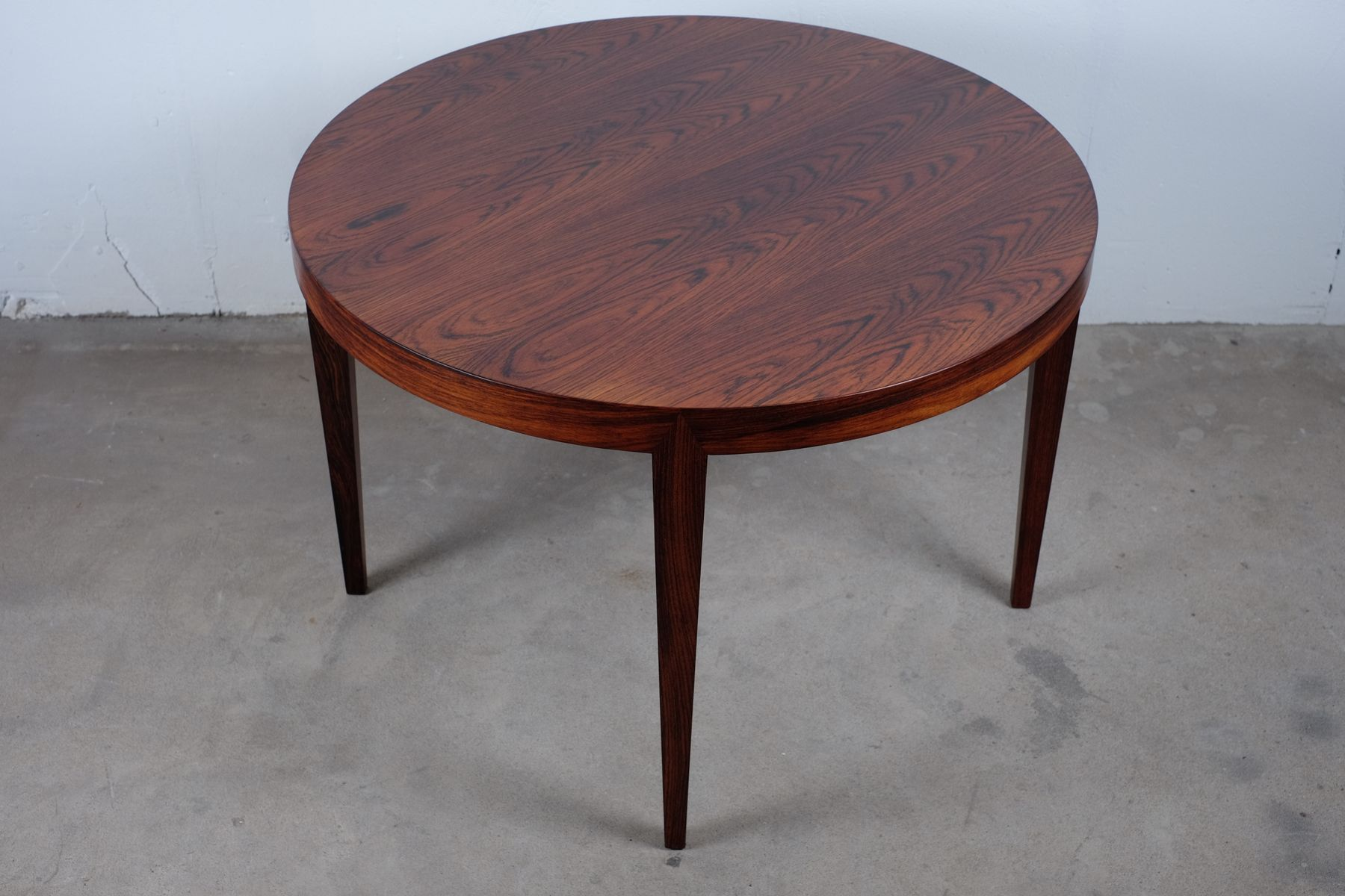 Round coffee table by severin hansen for haslev for Round coffee tables for sale
