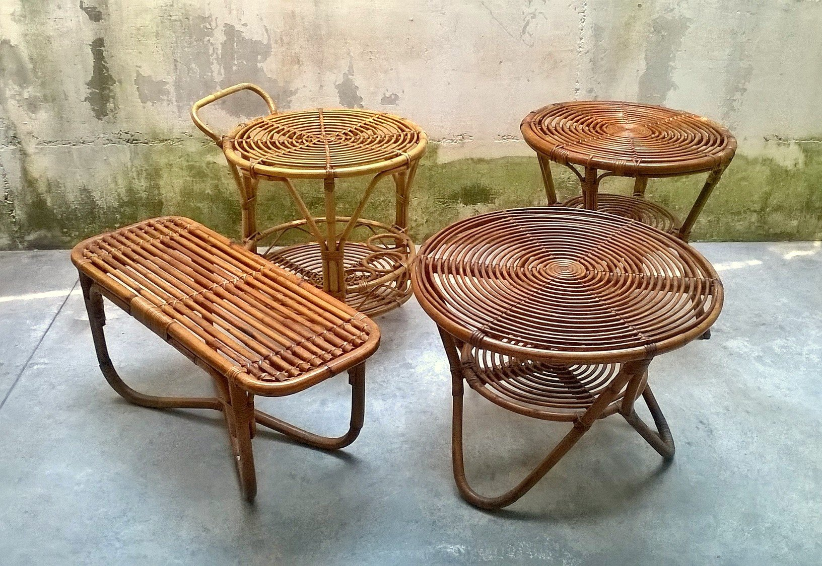niedrige italienische rattan tische von pierantonio bonacina 1950er 4er set bei pamono kaufen. Black Bedroom Furniture Sets. Home Design Ideas