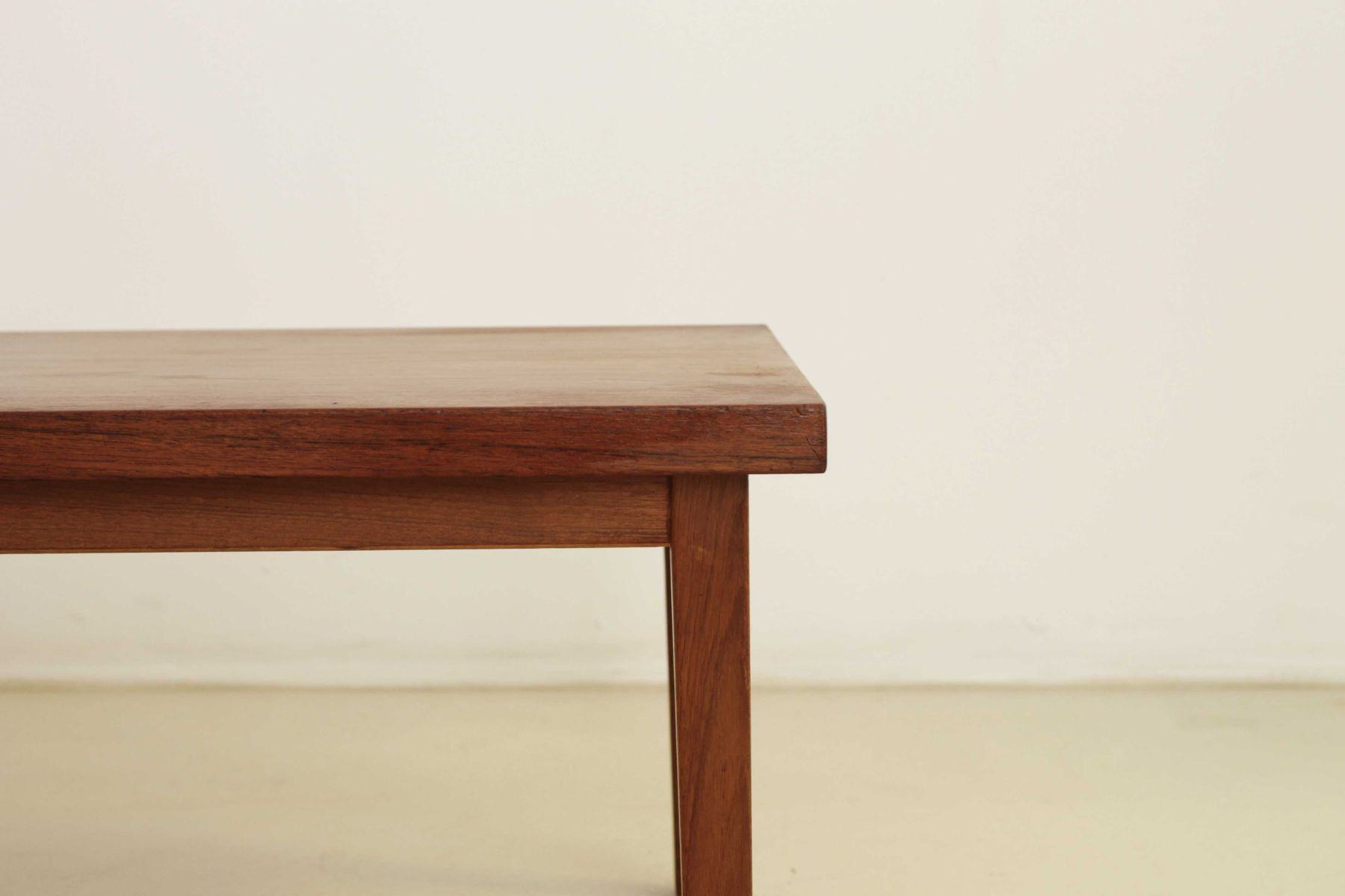 Table basse rectangulaire scandinave en teck 1950s en for Table basse scandinave rectangulaire