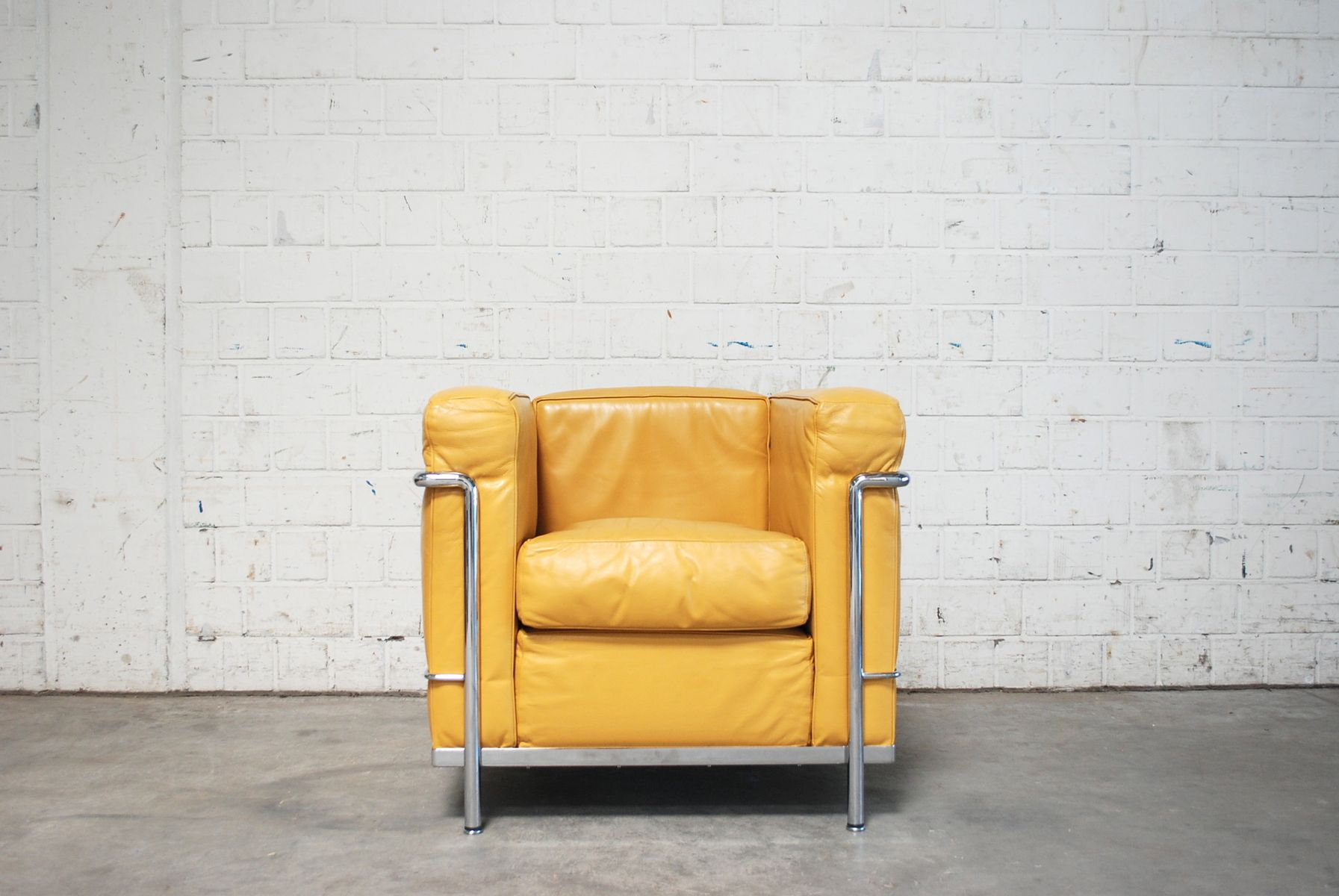 Le corbusier chair vintage - Vintage Yellow Model Lc2 Leather Chair By Le Corbusier For Cassina For Sale At Pamono