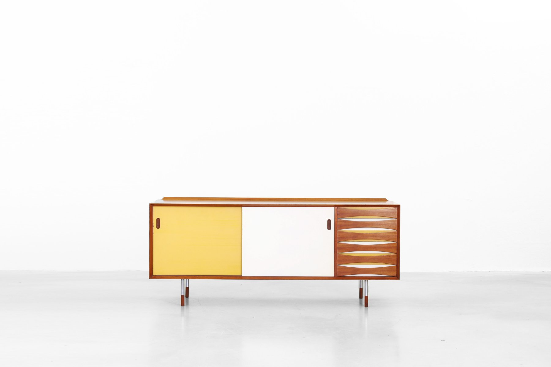 mid century danish mod 29 sideboard by arne vodder for sibast furniture 1958 for sale at pamono. Black Bedroom Furniture Sets. Home Design Ideas