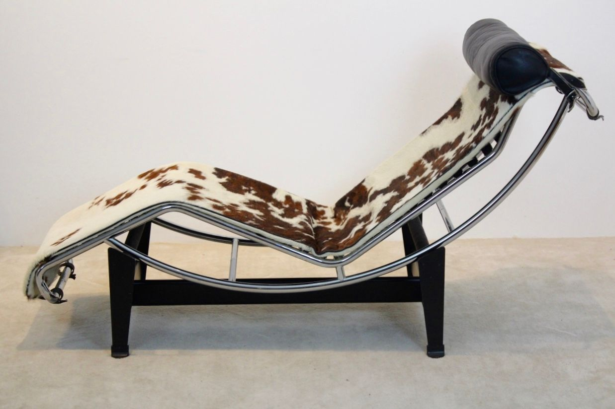 Vintage lc4 chaise longue by le corbusier pierre for Chaise longue le corbusier cassina