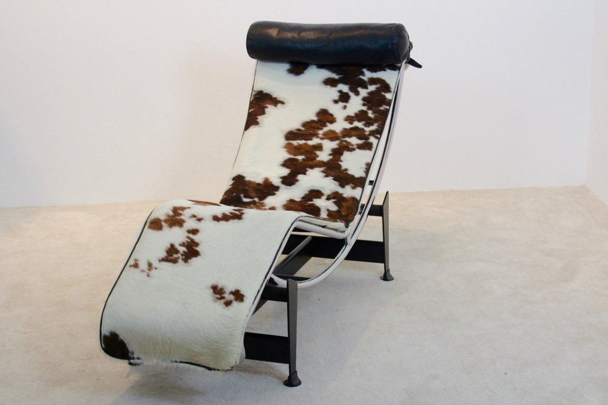 Vintage lc4 chaise longue by le corbusier pierre for Chaise longue le corbusier vache