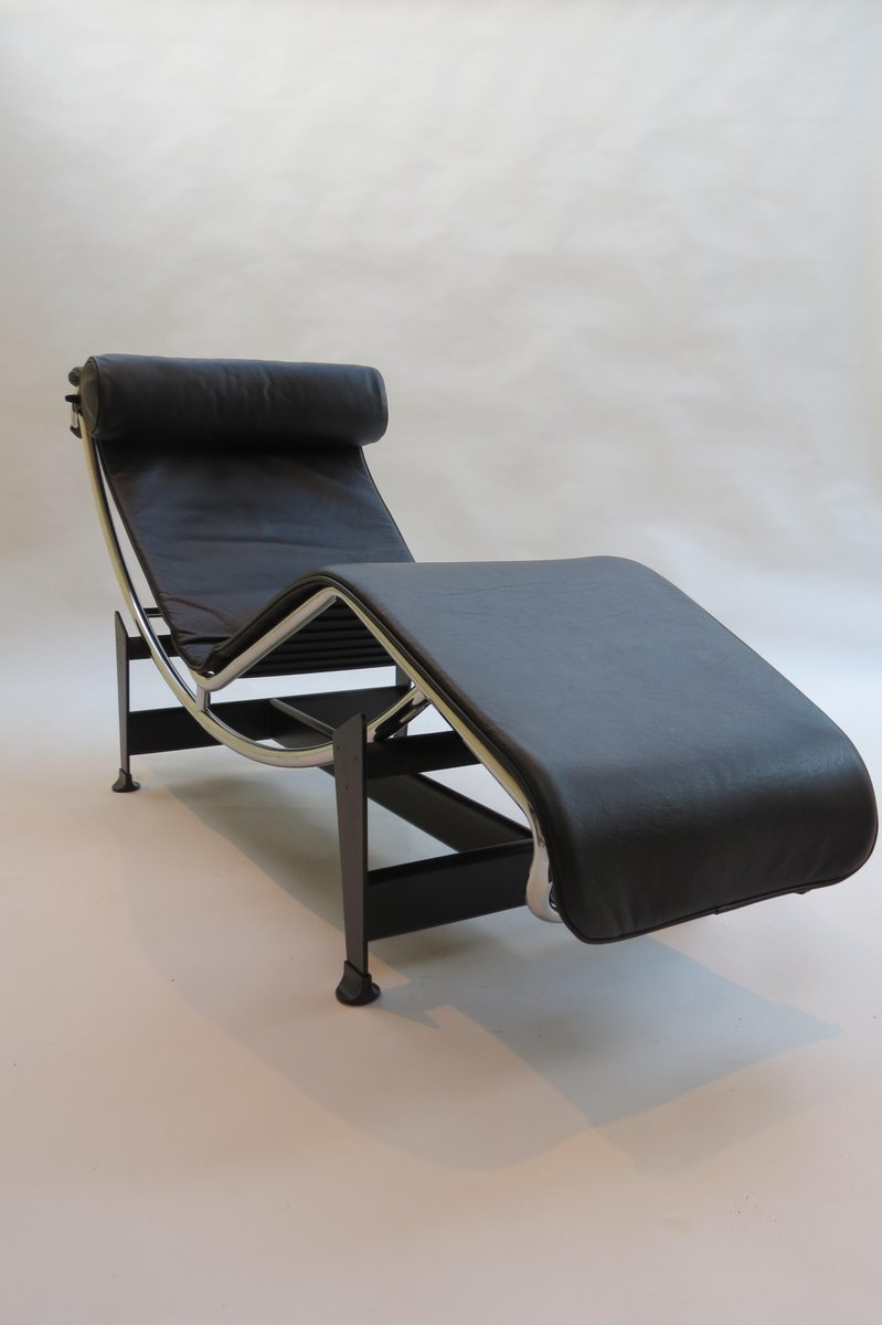 vintage lc4 chaise longue by le corbusier perriand and jeanneret for cassina for sale at pamono. Black Bedroom Furniture Sets. Home Design Ideas