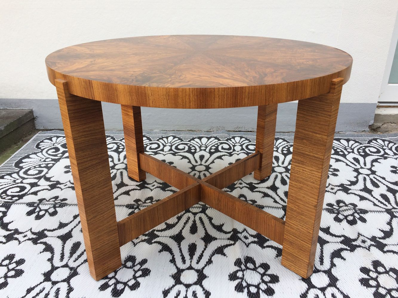 Round Art Deco Dining Table for sale at Pamono