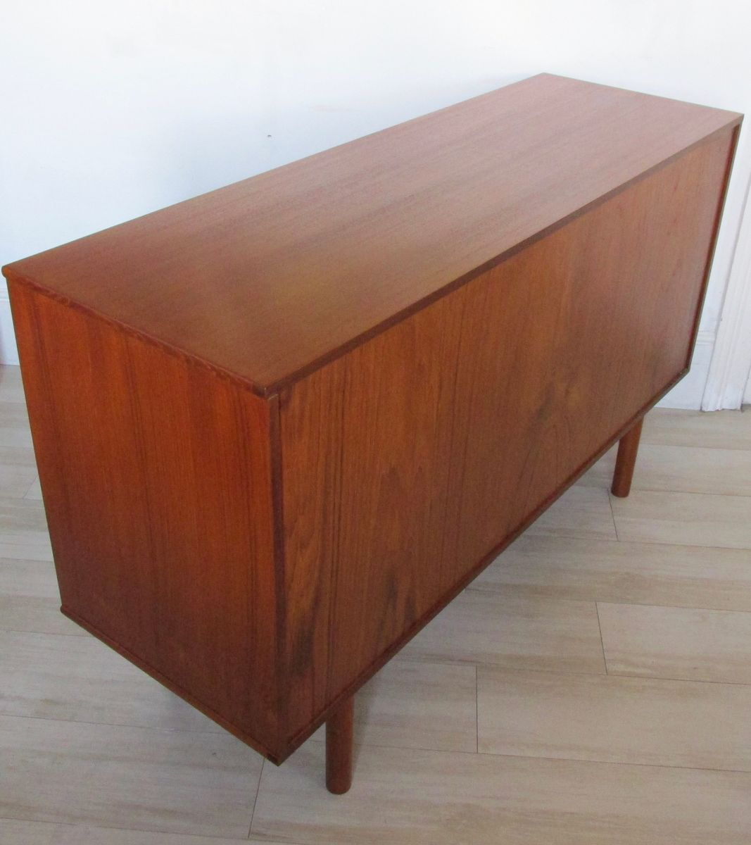 skandinavisches vintage teak sideboard 1960er bei pamono. Black Bedroom Furniture Sets. Home Design Ideas