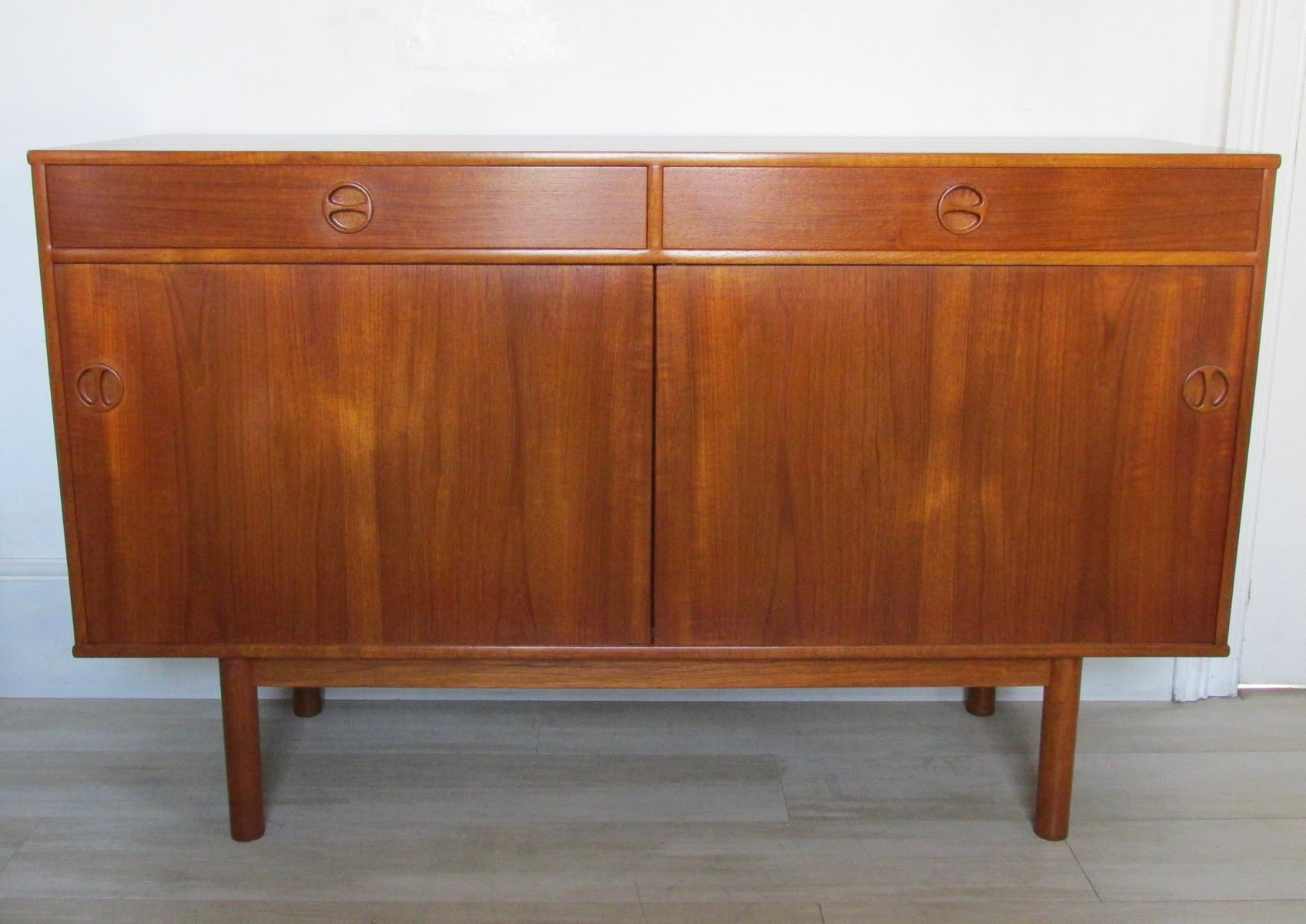 skandinavisches vintage teak sideboard 1960er bei pamono kaufen. Black Bedroom Furniture Sets. Home Design Ideas