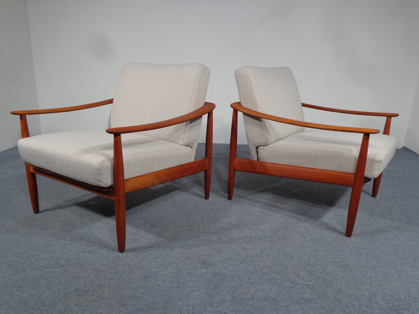 mid century kirschholz sessel von knoll 1950er 2er set. Black Bedroom Furniture Sets. Home Design Ideas