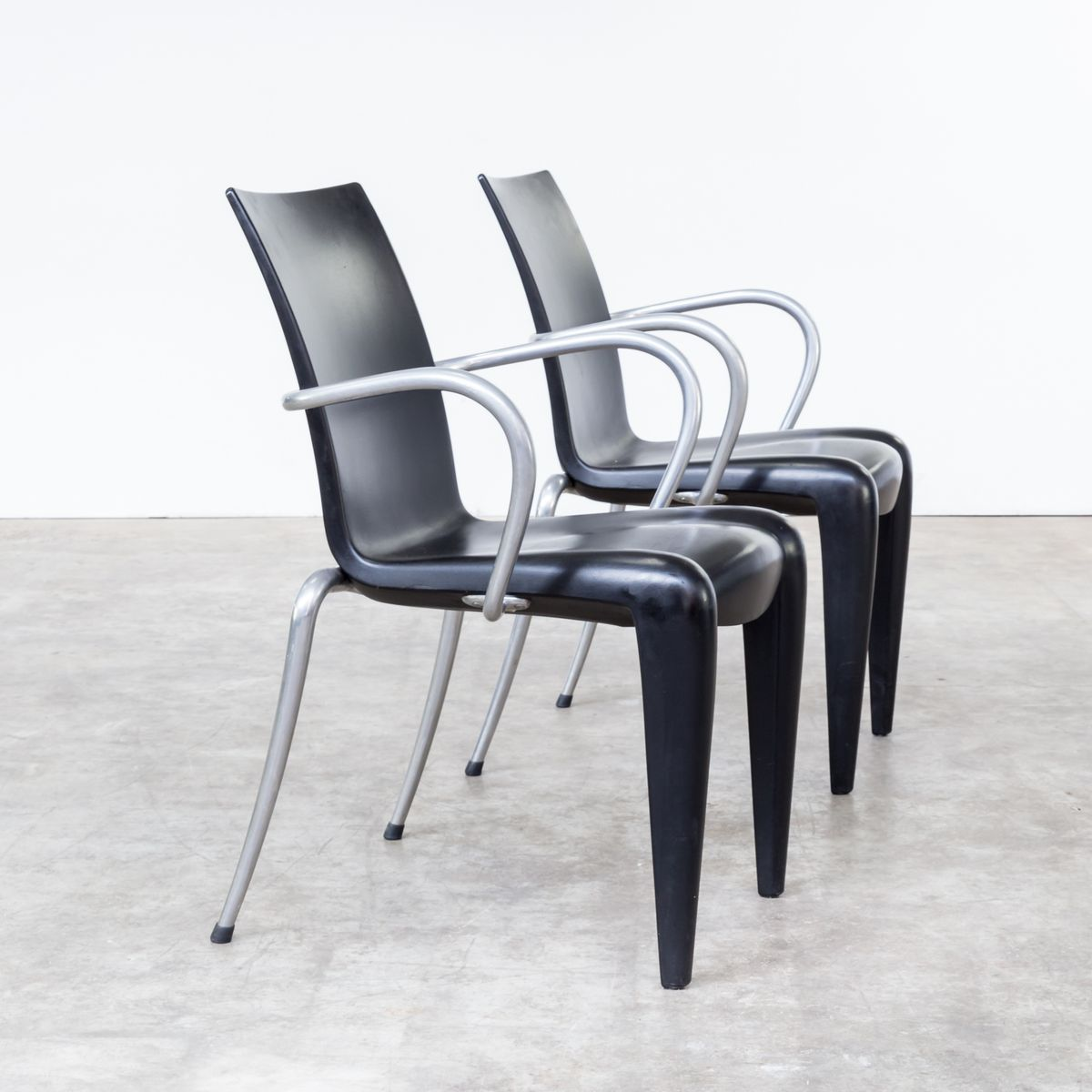 Louis 20 chairs by philippe starck for vitra 1990s set of 4 for sale at pamono for Philippe starck chair